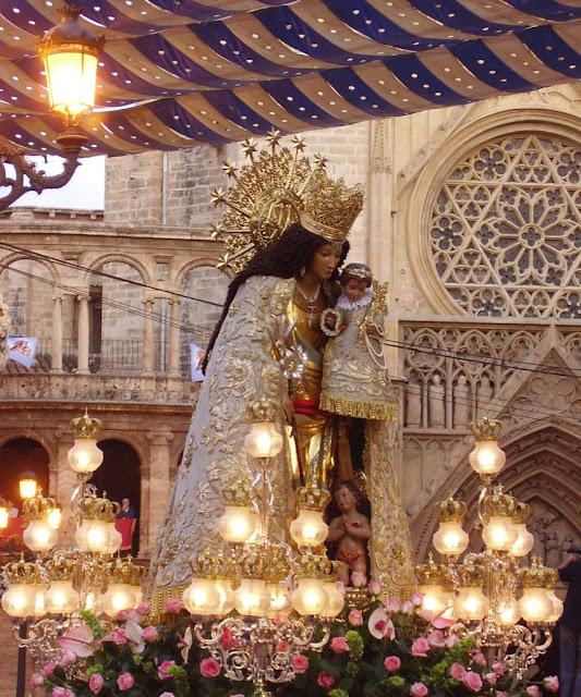 Nossa Senhora dos Desamparados, Valencia, réplica levada na procissão