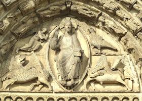 Catedral de Chartres: Cristo reinante com os quatro evangelhos
