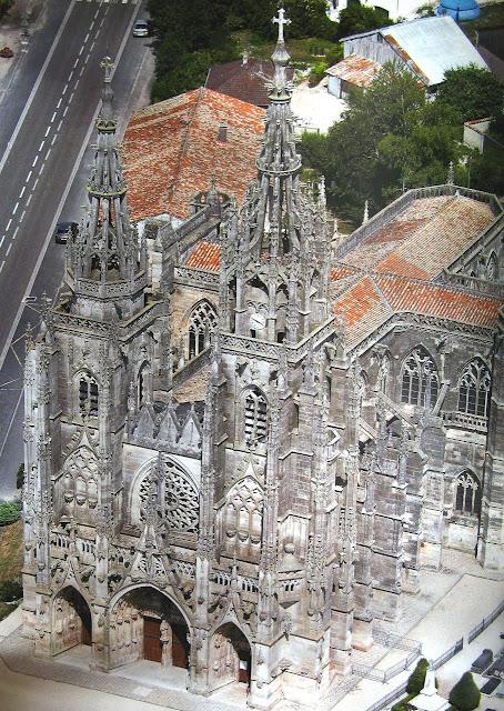 Santuário de Nossa Senhora da Espinha, França