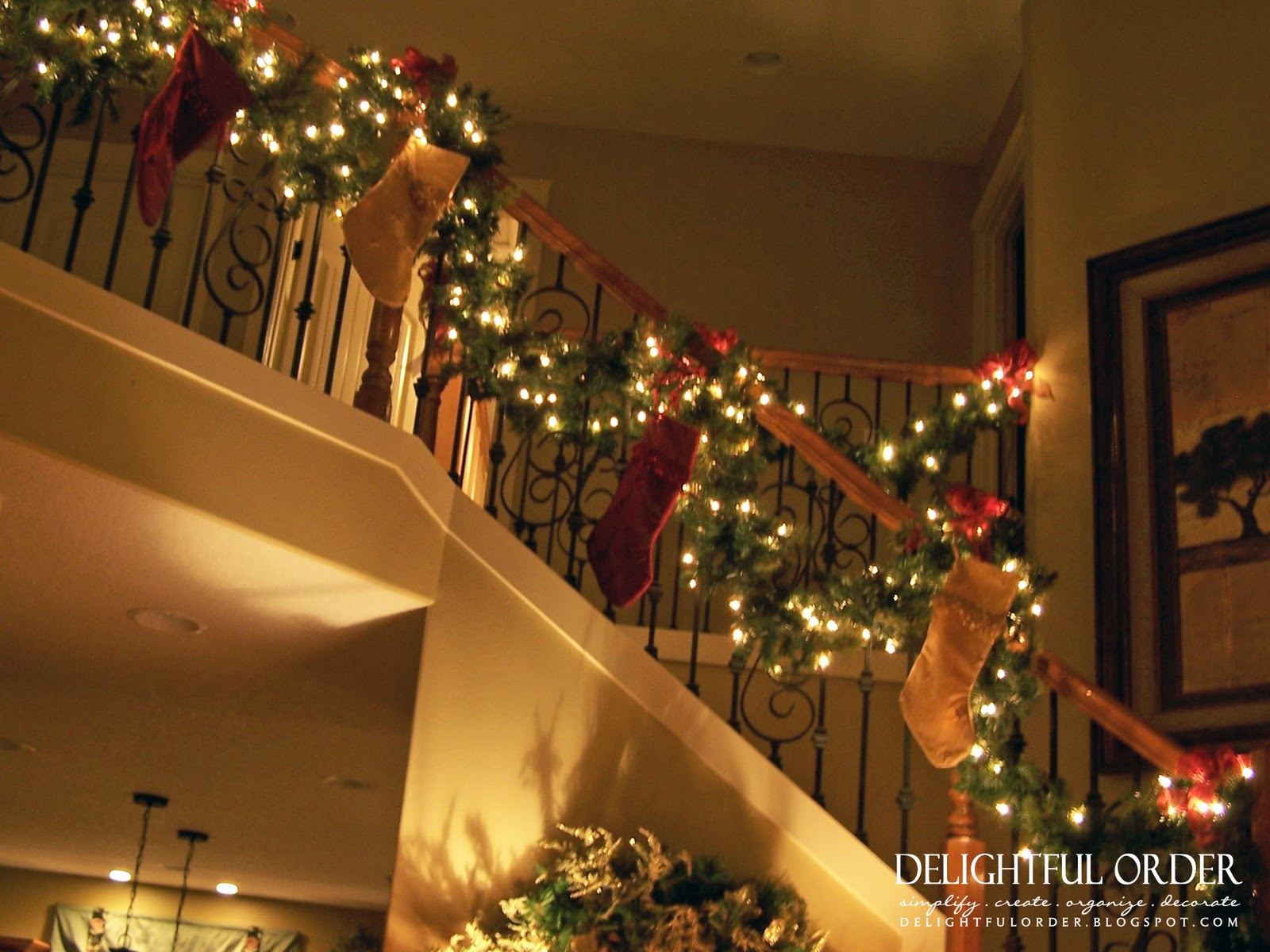 Delightful Order: Staircase Christmas Decorating