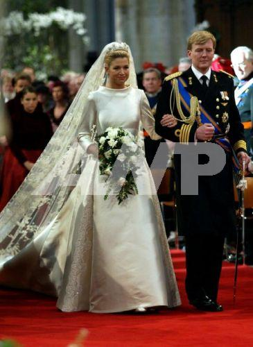 Princess Maxima Has Her Fair Share Of Hot Mess Earances But When She Gets It Right Few Can Surp In This Valentino Couture Gown Was At