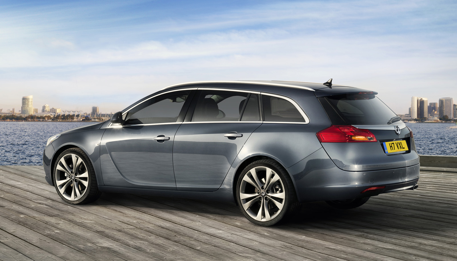 car pictures opel insignia sports tourer 2010. Black Bedroom Furniture Sets. Home Design Ideas