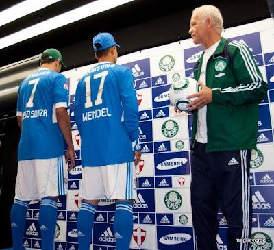 Maglia Verde  Lançamento da terceira camisa do Palmeiras 2009 ef34b39fca0e5