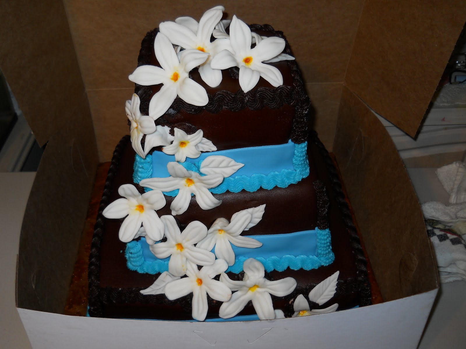 Cake Lovers Jasmine Flower Cake