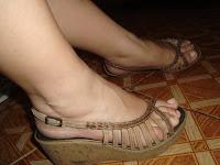 5271249a0e8a LAÍS ANUNCIA: sandália é número 37, a marca é Helena calçados. Ela está  usada mas muito bem conservada. Preço R$ 30,00 + frete.
