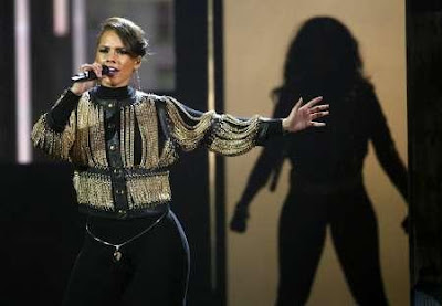 aliciakeys ALICIA KEYS: Try Sleeping With A Broken Heart + Empire State Of Mind (With Jay Z) (Live at American Music Awards 2009)