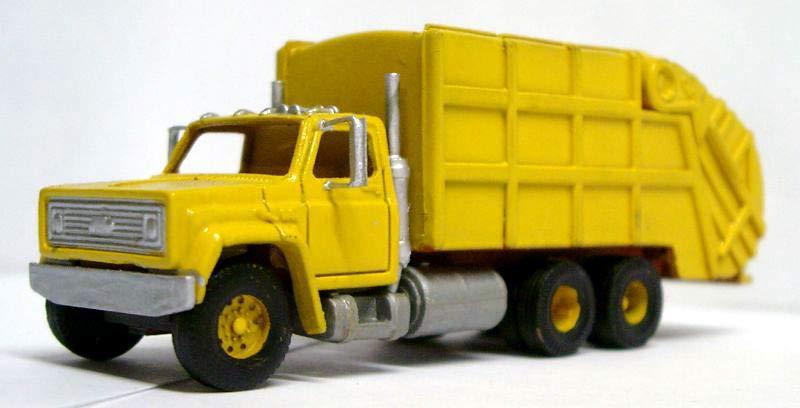 chev_c60_garbage_truck_lg.jpg