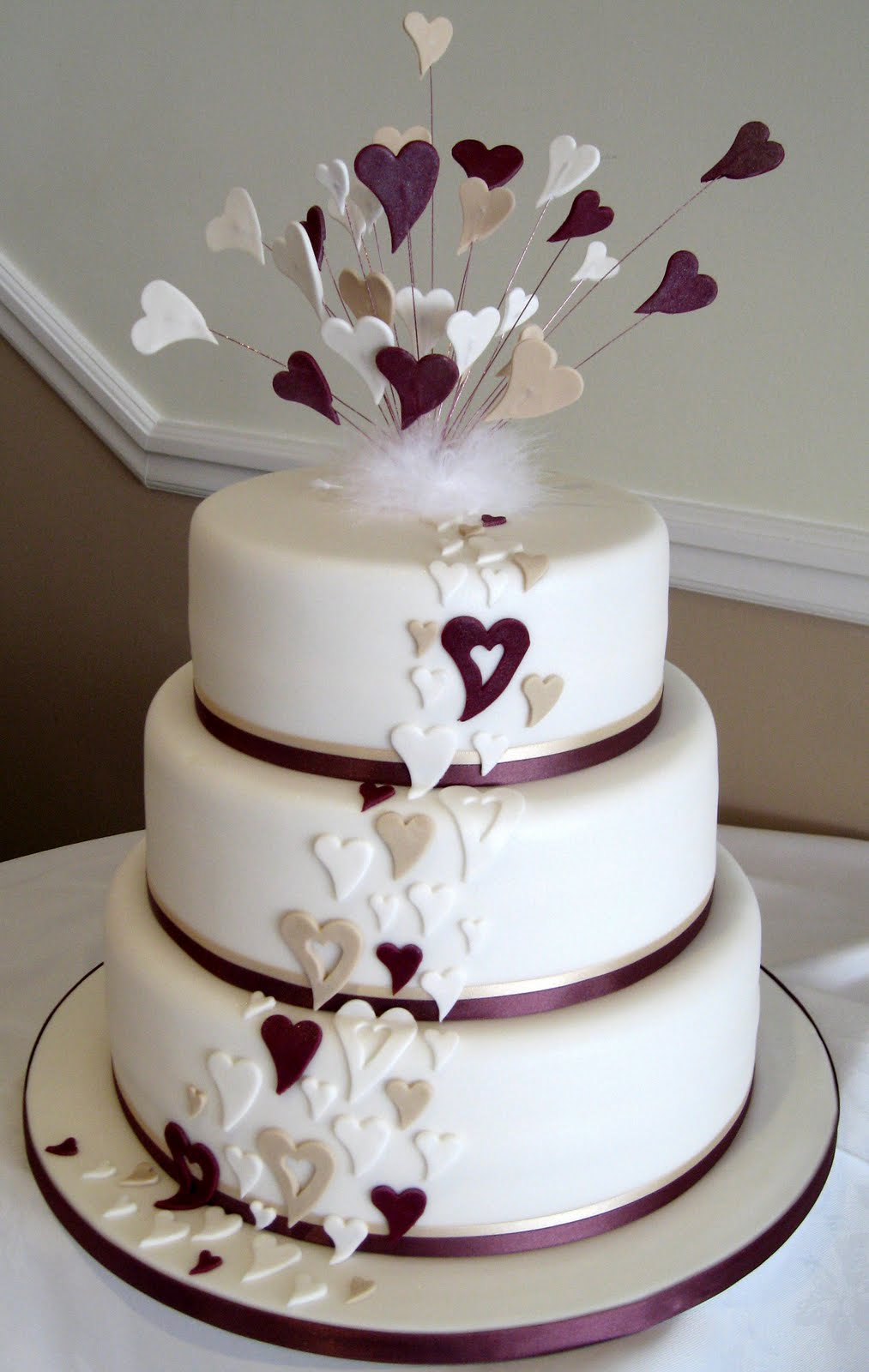 Ideas For Modern Wedding Cakes Topweddingsitescom