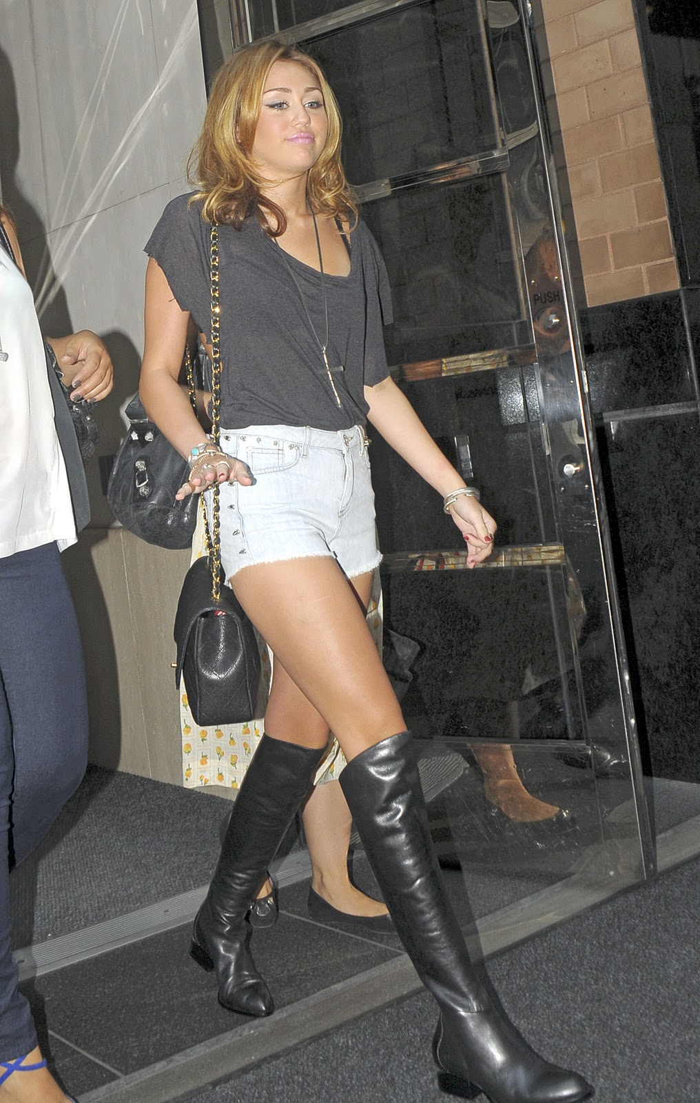 jeans and boots  miley cyrus megapost 6 parts 258 pics