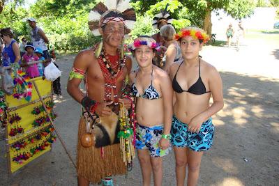 Índio na cidade histórica de Porto Seguro - Bahia