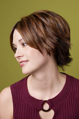 trouble celebrity short hairstyles for young women