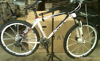 1 Sepeda Gunung JAVA GRIZZ 26 Inci - Sram X7 27 Speed