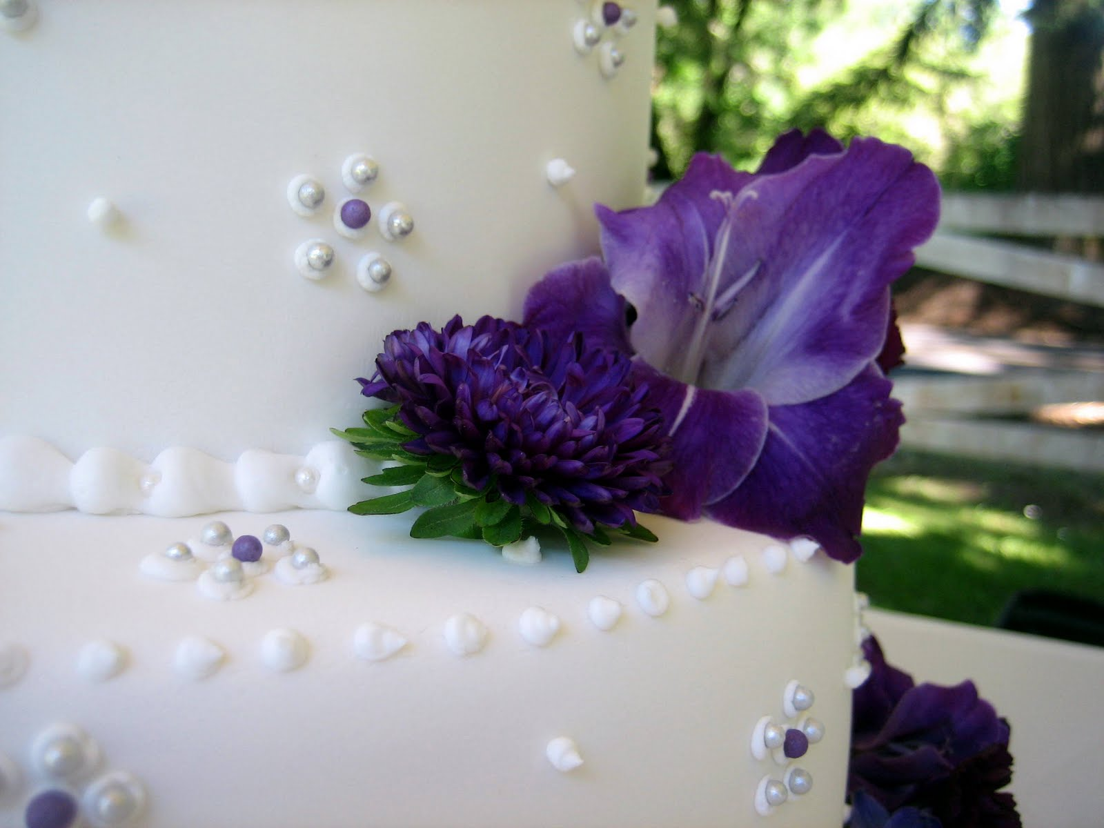 purple wedding cake images jillicious discoveries three purple wedding cakes 18918