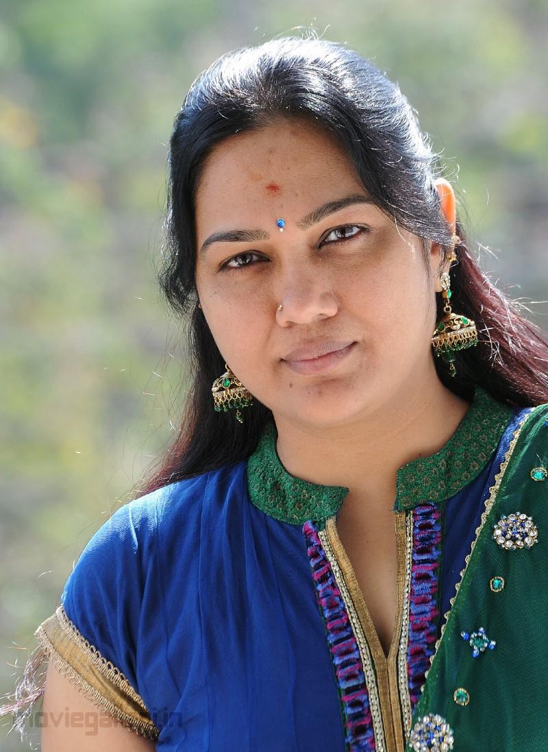 Hema Telugu Comedian Stills Comedy Actress Hema Photo