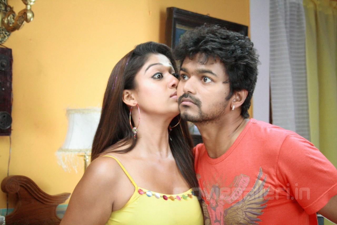 Nayanthara hot kiss photos