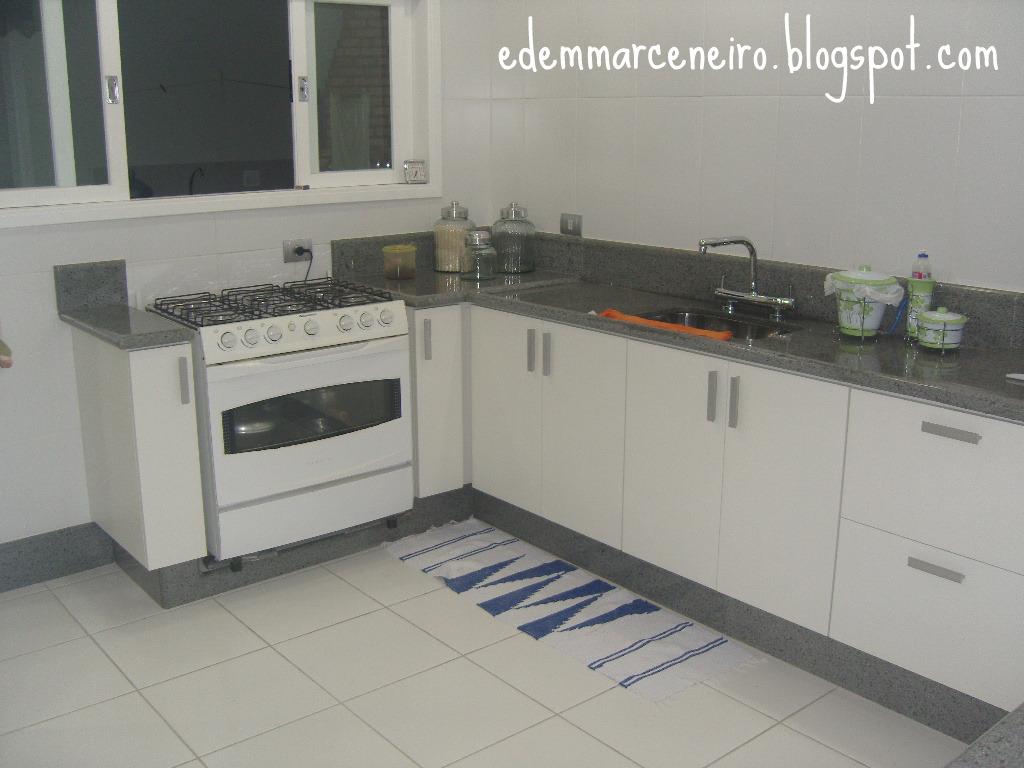 Adesivo De Nuvens Para Parede ~ Cozinha planejada sob medida armário sob bancada Edem Marceneiro