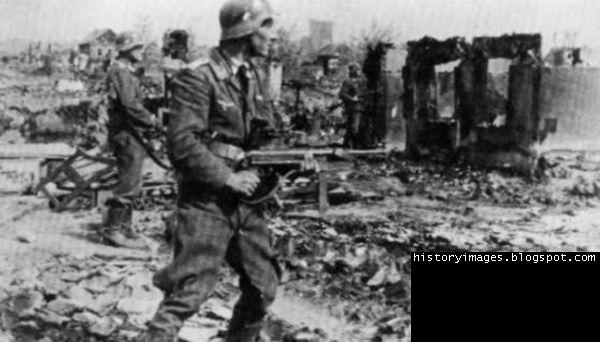 the historic importance of the battle of stalingrad The battle of stalingrad was the bloodiest battle in recorded history and it was the major turning point in world war two, overall hitler's pride lost the battle of stalingrad if it were not for hitler's pride he would have allowed his generals to retreat to more defensible territory, or to retreat and regroup.