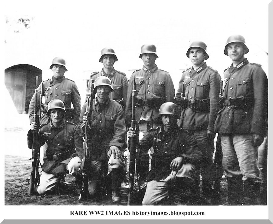 HISTORY IN IMAGES: Pictures Of War, History , WW2: German soldiers in Russia (Eastern Front): Part 2