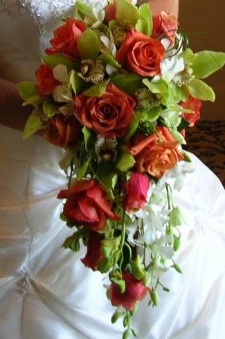 Bouquet Sposa Verde Mela.Bouquet Da Sposa Cadente Fiorista Mariangela
