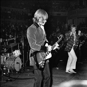 gibson_non_reverse_firebird,brian_jones,1966,rca_studio,aftermath,psychedelic-rocknroll