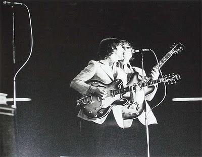 Epiphone_Casino,lennon,revolution,gibson_es_335,hollow_body,george_harrison,japan_tour,budokan,1966,psychedelic-rocknroll