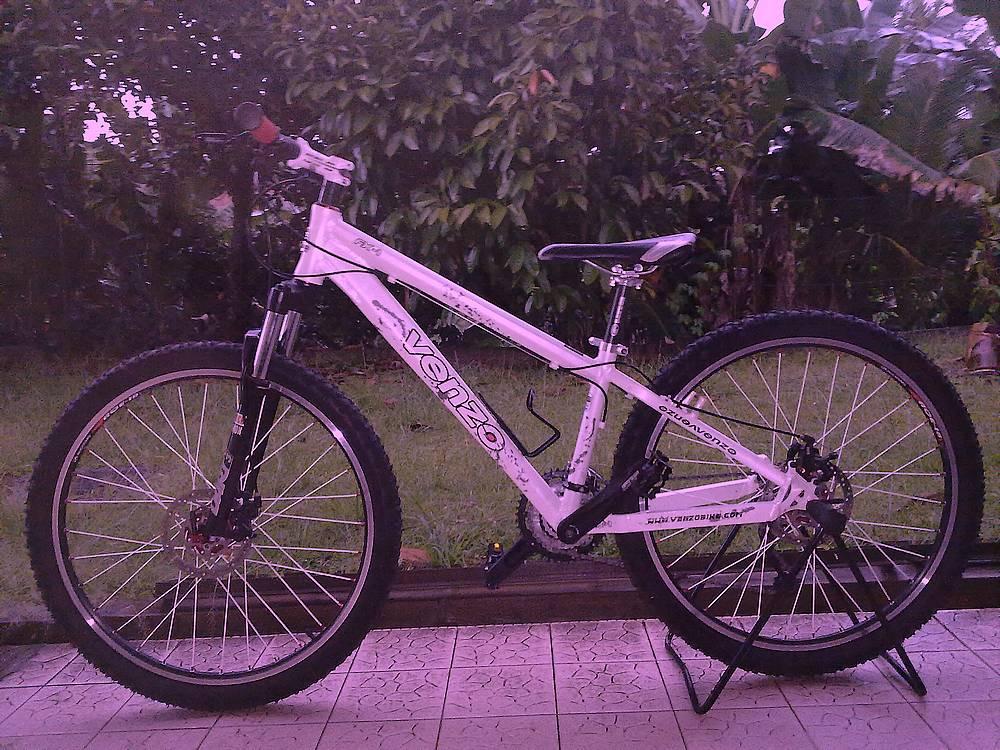 n Biker and Road Cyclist at Raub, Pahang, Malaysia~~~PhotoBlog about ...