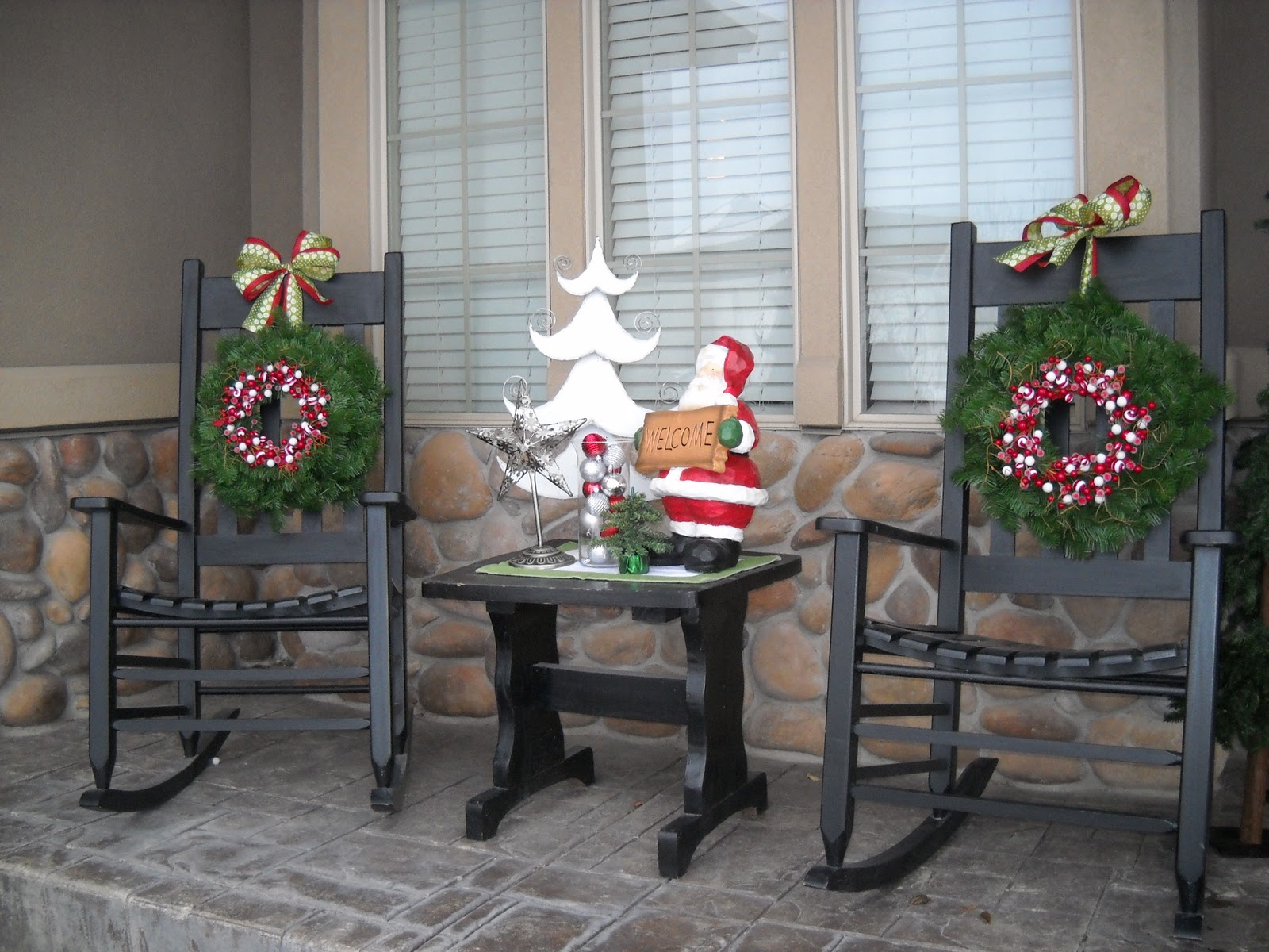 do it yourself duo front porch decor continued. Black Bedroom Furniture Sets. Home Design Ideas