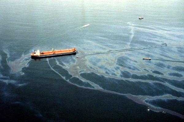 restepolsri: Water Pollution Oil Spills