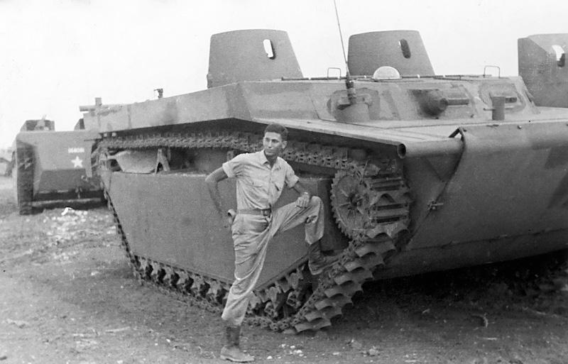WORLD WAR II: Landing Vehicle Tracked