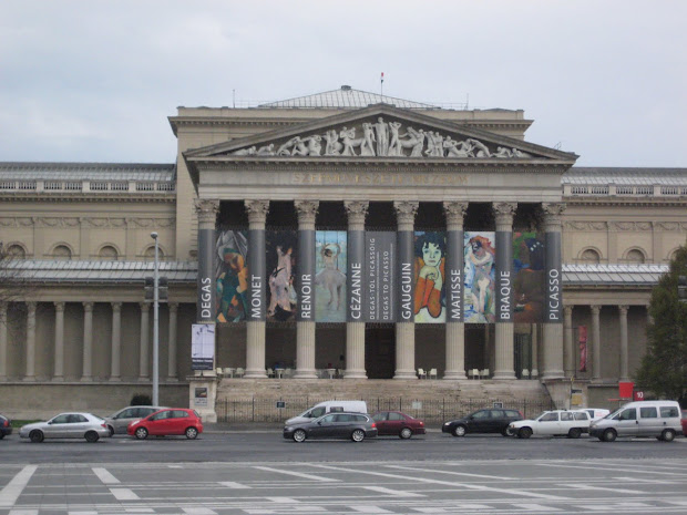 La Bella Vida Budapest Hungary April 5-7
