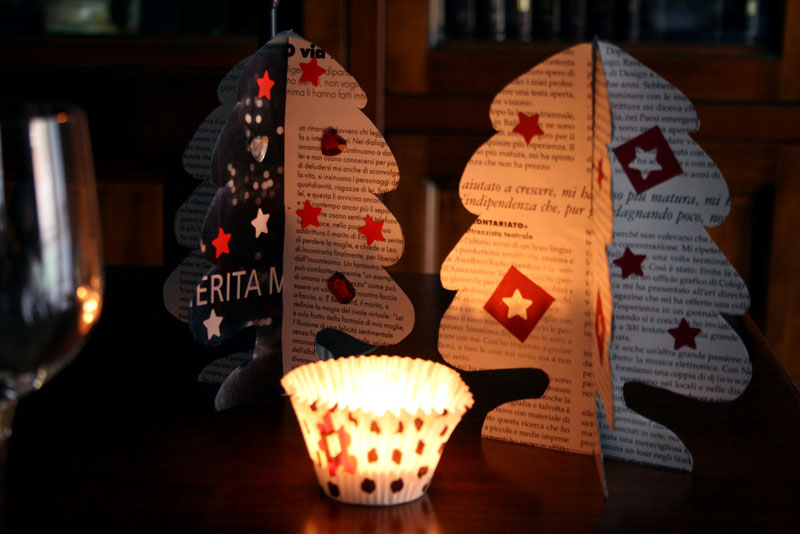A casa di eli per l 39 ora del t decorazioni per la tavola di natale in carta di giornale - Decorazioni per la tavola di natale ...