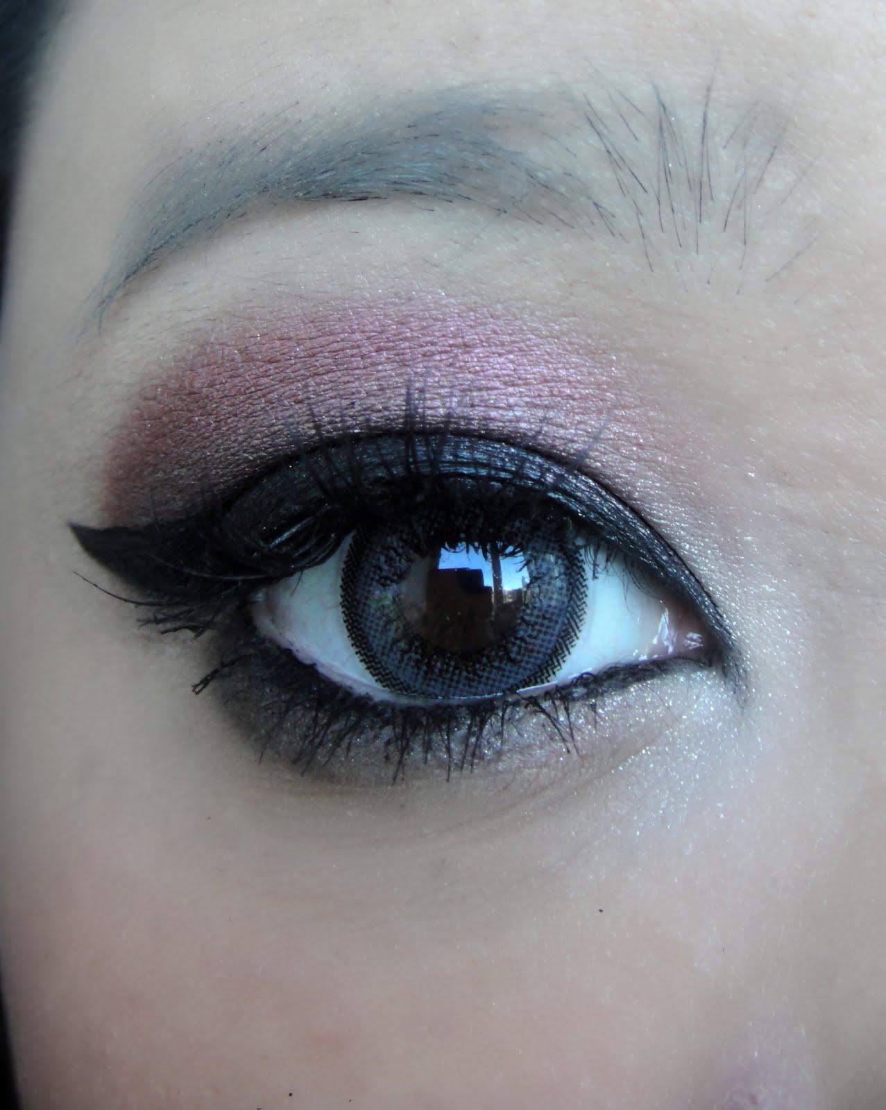 Cranberry Eyeshadow: DSK Steph!: October 2010