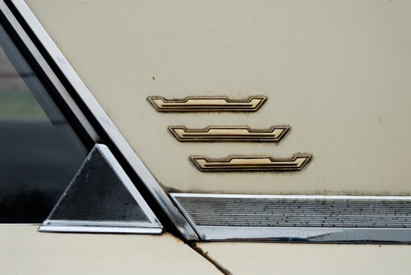 Parked Cars Revisited 1966 Chrysler Newport 4 Door: OLD PARKED CARS.: 1966 Chrysler Newport 4 Door Hardtop