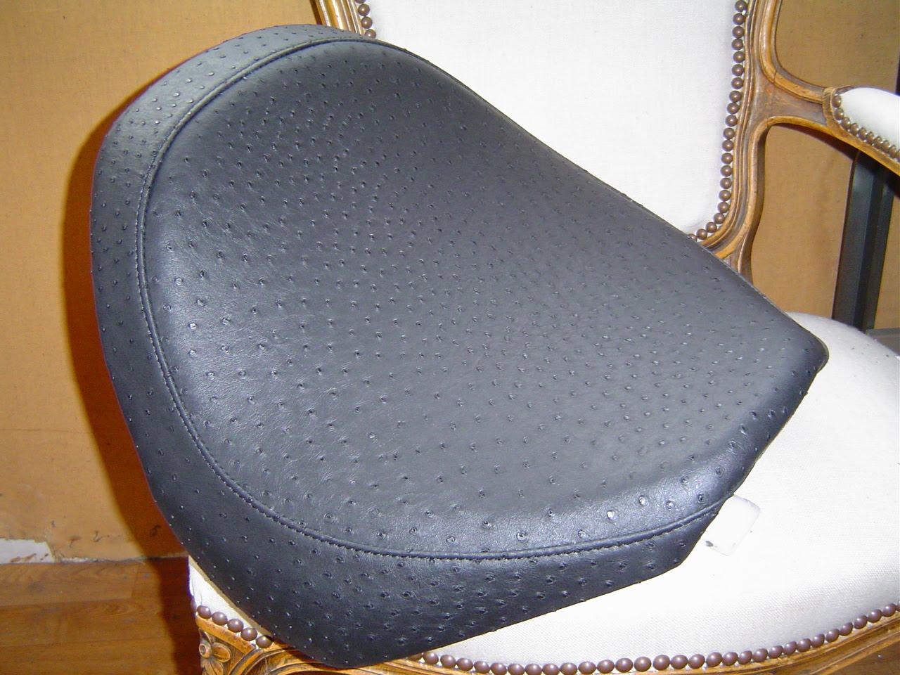 etablissement fortun p re et fils sellerie fortun selle de moto custom en ska imitation. Black Bedroom Furniture Sets. Home Design Ideas