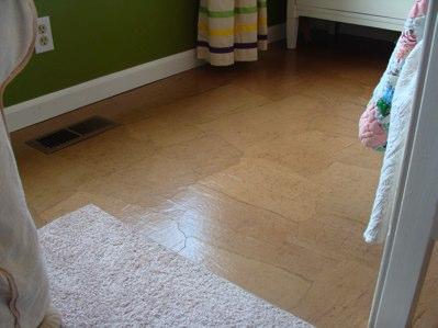 Kraft paper floor a diy alternative to wood floors video for Wood floor alternatives