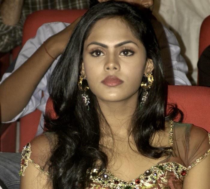 Tamil Hot Hits Actress: Karthika (radha) Hot Photos