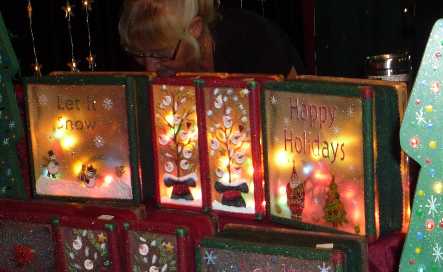 19 Ideas For Christmas Decorated Glass Blocks