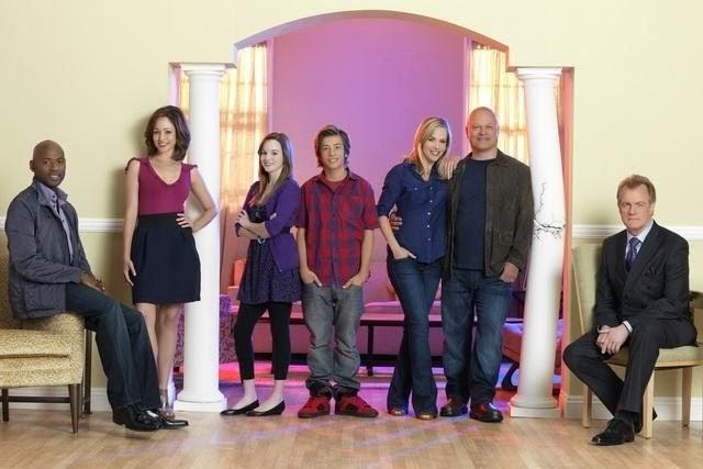 Phim, Xem Phim, Phim HD, Xem phim online, HD Online, Phimhd: [MediaFire] No  Ordinary Family Season 1 - Include Subs