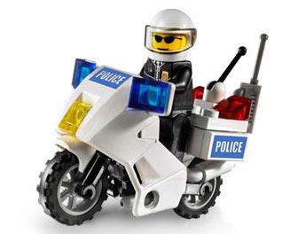 IMAGE(http://3.bp.blogspot.com/_NUkorrx4Tt4/SK3UMCmLDxI/AAAAAAAAAOc/nA2mZV9gJac/s400/LEGO-Police-Motorcycle.jpg)