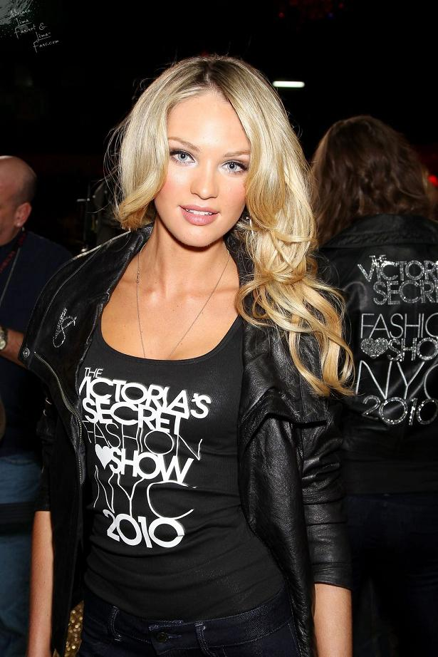 Candice Swanepoel - Victoria's Secret Fashion Show NYC 2010