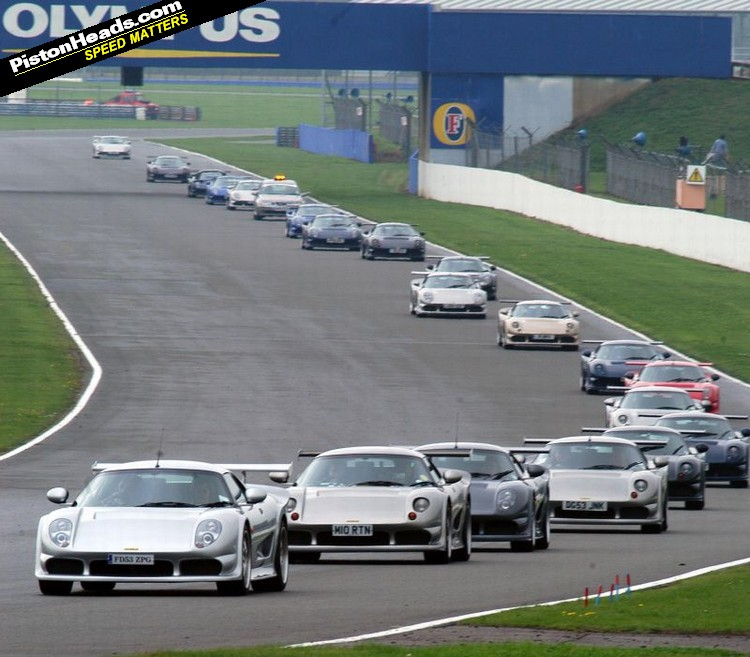 Noblecars.blog: The Largest Ever Noble Track Day