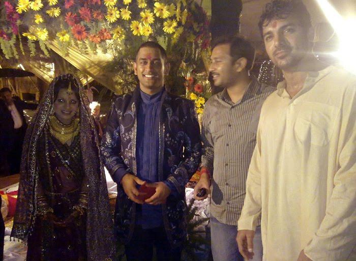 GIRL GIRL PICTURES: MS Dhoni Sakshi Rawat Marriage ...