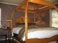 Our bed had a mirror over it. Sprit room at Inn at Parkside