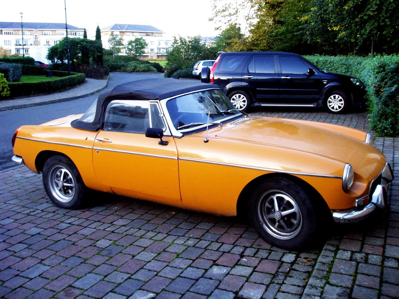 FOLK og RØVERE: very nice cars