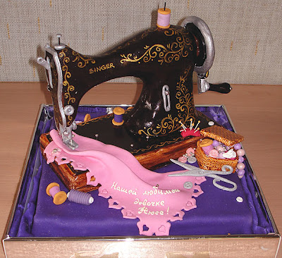10 Cool and Unusual Cakes (10) 4