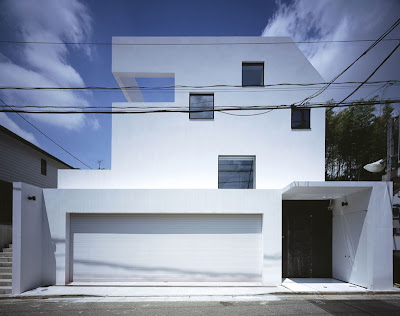 A Nine-Car Garage House (8) 8