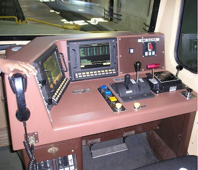 A Railroad Engineer's Workplace (12) 10