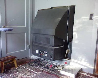 If you want a TV but find it too expensive, then here is a solution for you (2) 2
