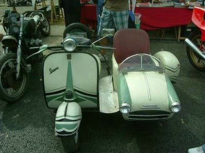 Vespa With Side Car (6)