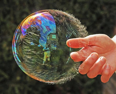 Bubble Photography, great photos and photography, popping a bubble, nice shot, exploding bubbles